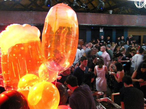 That's right, they had beer mug-shaped balloons.  Awesome.